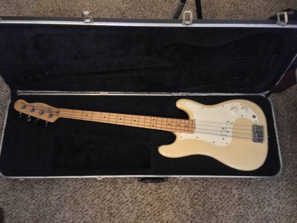, 1979-1980 Fender Bullet Bass Deluxe, Best In Bass Guitars .Com, Best In Bass Guitars .Com