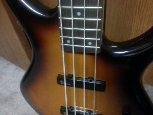 , Tobias Toby Deluxe 4 string Bass, Best In Bass Guitars .Com