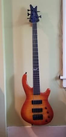 , Dean European custom select 5 string bass, Best In Bass Guitars .Com, Best In Bass Guitars .Com