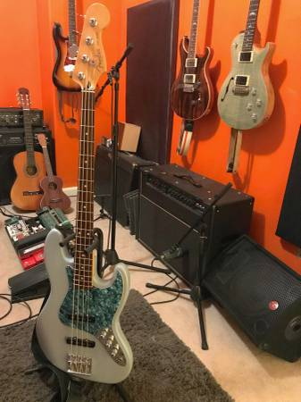 , 2003 Fender American Highway 1 Jazz Bass, Best In Bass Guitars .Com, Best In Bass Guitars .Com