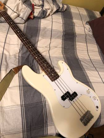 pbass by fender