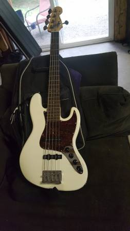garnero 5 string bass guitar